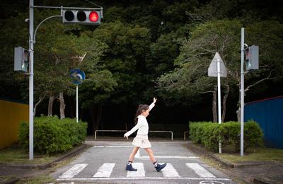 赤信号・青信号。赤信号の点滅の意味・信号無視の違反 チューリッヒ